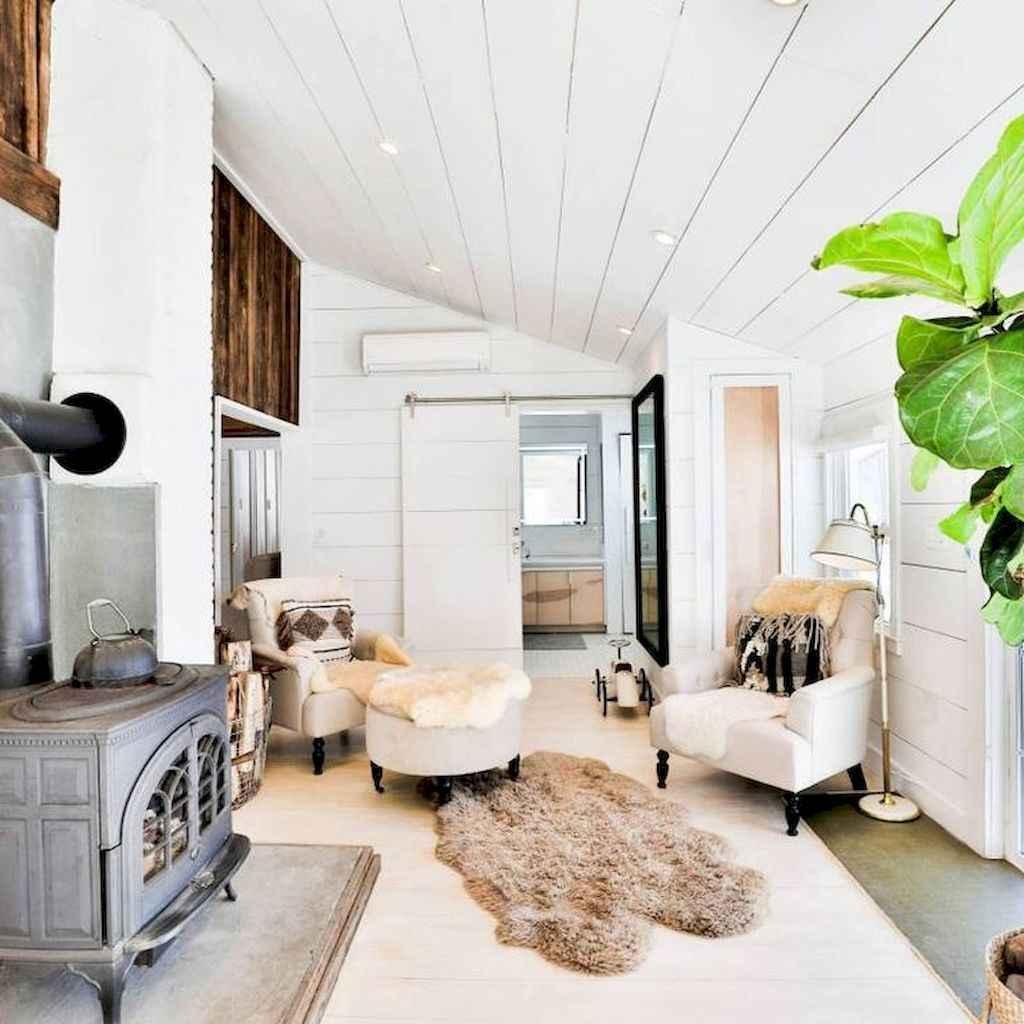 37 cozy farmhouse living room rug decor ideas