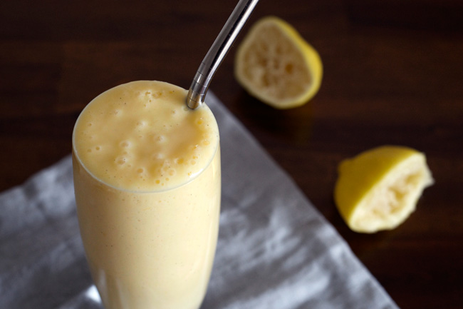 Lemon Meringue Pie Smoothie | An easy and delicious healthy smoothie! Paleo, vegan, dairy-free, gluten-free, sugar-free.