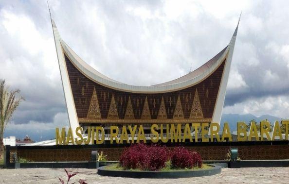 40 Tempat Wisata di Padang Sumatera Barat  Panjang Galak