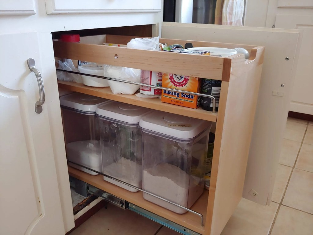 Kitchen Cabinet Organizer to make the best use of space.