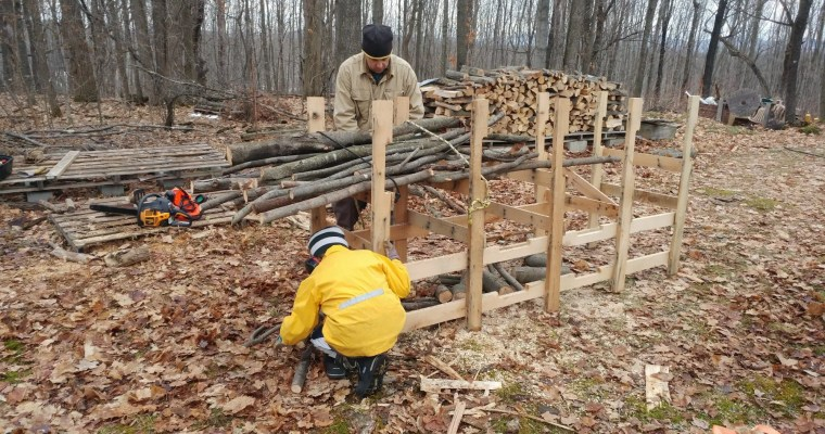 How to Build a Log Cutting Rack