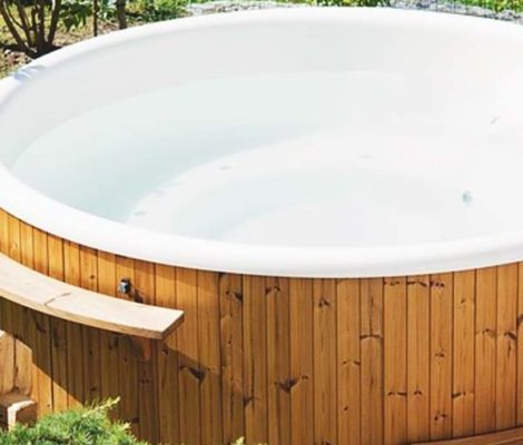 18-Ingenious-DIY-Hot-Tub-Ideas-Suitable-for-Any-Budget-PIN-470x800