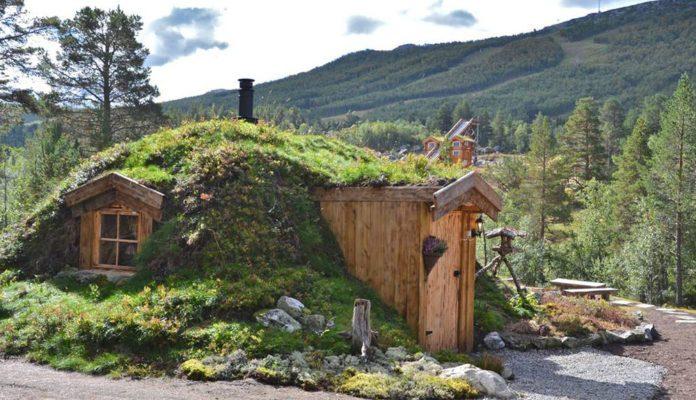 Hobbit-cabin-1-696x464