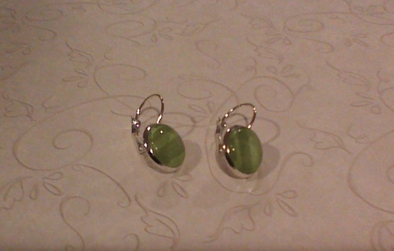 How to make glass dome earrings