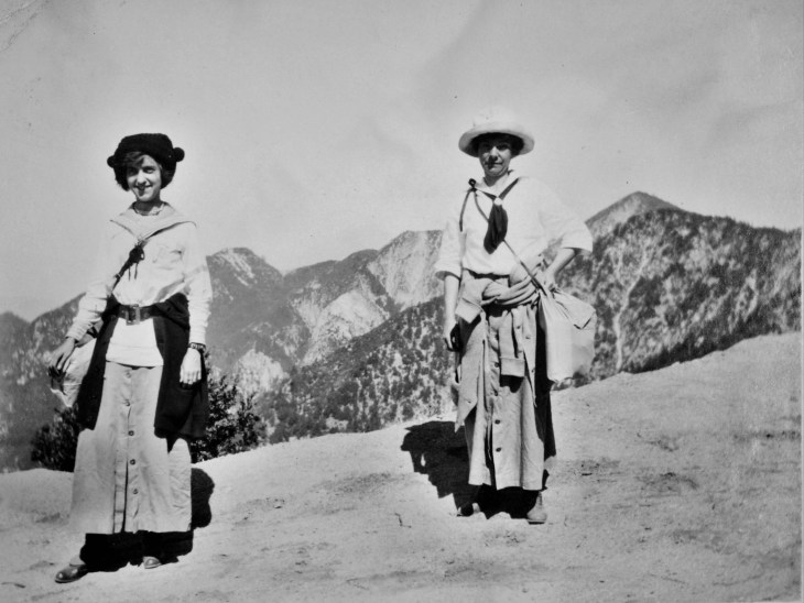 Two women hikers SG Mtns 1910s