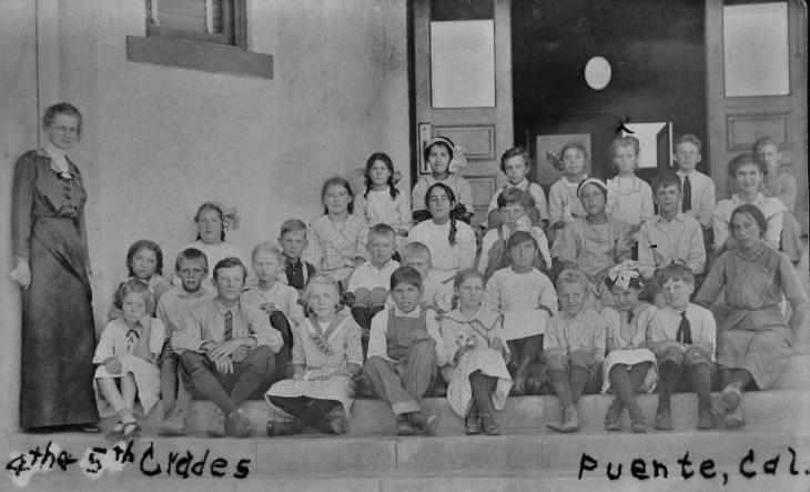 Hudson School 4-5 grades ca. 1915
