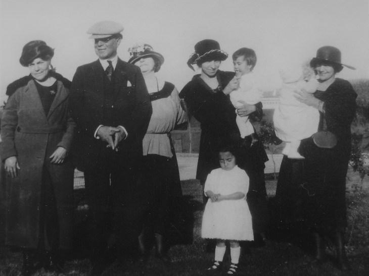 Walter Margarita Maude WH 1920s