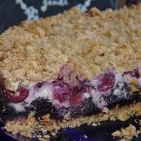 """Mohnstreuselkuchen mit """"Quark""""-Kirschfüllung & Sieben auf einen Streich"""
