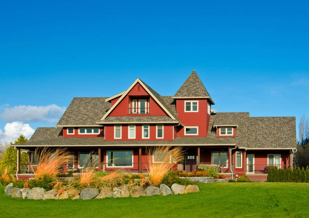 60 Farmhouse Landscaping Ideas (Photos)