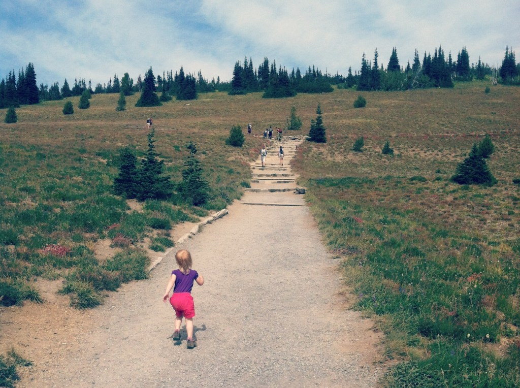 kids hiking mt rainier
