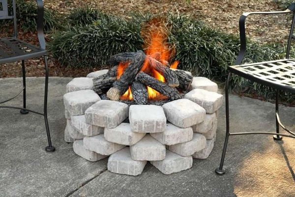 Acreative outdoor fire pit