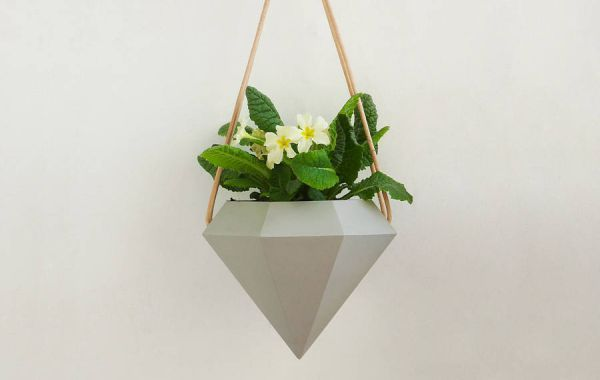diamond-hanging-planters