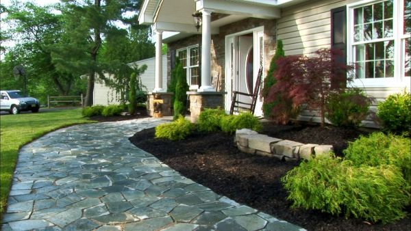 Front yard landscaping (1)