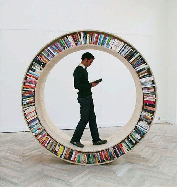 Rolling wheel book shelf