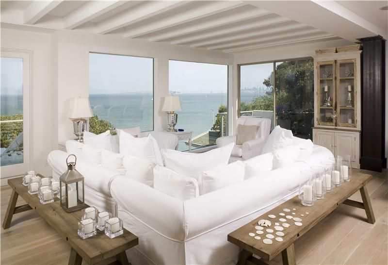 Considering That This Is A Seaside Home, You Have To Choose The Way You  Decorate Your Walls Wisely. While Paint May Be A Good Idea, You Need To  Ensure That ...