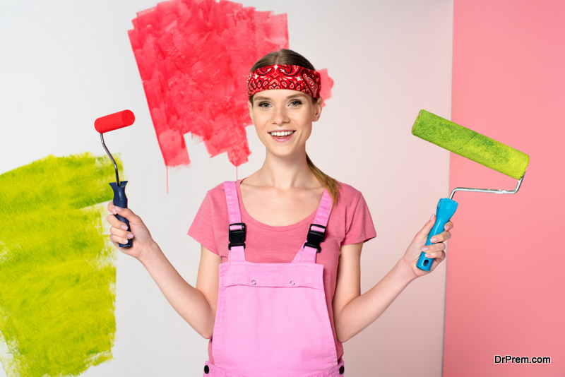 Paint before selling a house