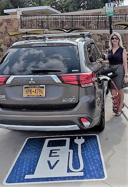 Liberty Plaza EV Charger August 2018 (003)