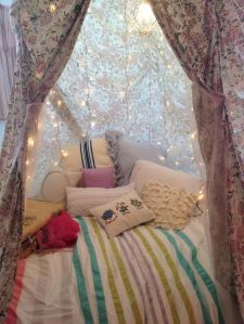 Bedroom Decoration ideas for Romantic Moment 37
