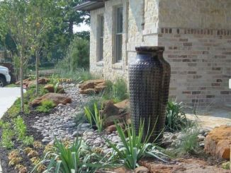 Simple and cool Front yard Landscaping Ideas 1