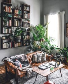 50 ++ Amazing Living Room Designs With Floating Shelves 104