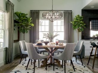 Round Dining Room Tables Decoration Ideas 84