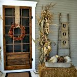 Vintage Halloween Decorating Farmhouse For Spooky Home 12