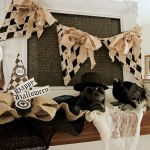 Vintage Halloween Decorating Farmhouse For Spooky Home 27
