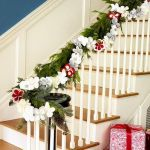 Brilliant Christmas Garland Decorating Ideas 227