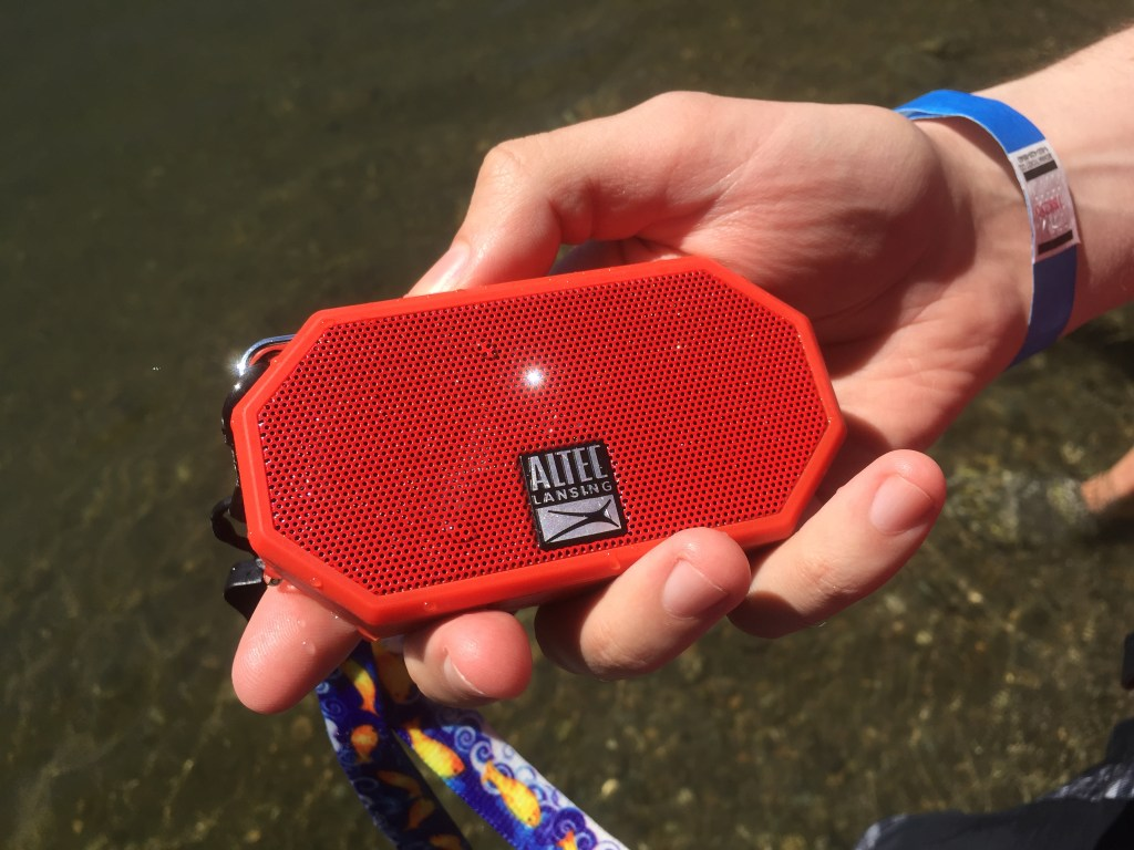 altec_lansing_waterproof_bluetooth_speaker_review