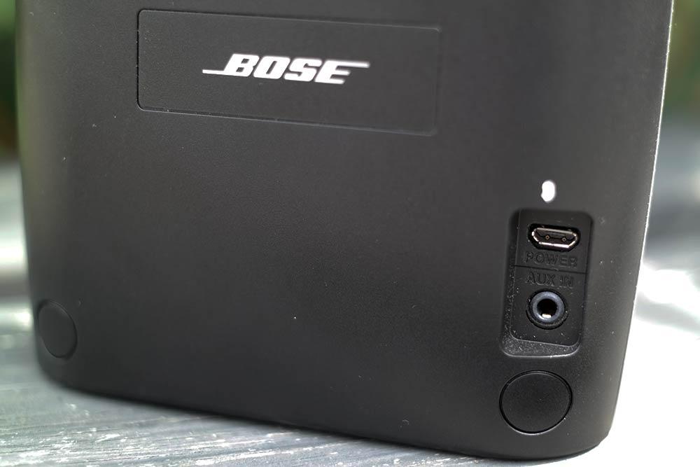bose_soundlink_color_aux_power_ports_on_back