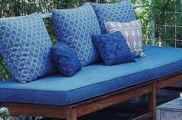 7 Modern Cushion Designs And Decor Ideas