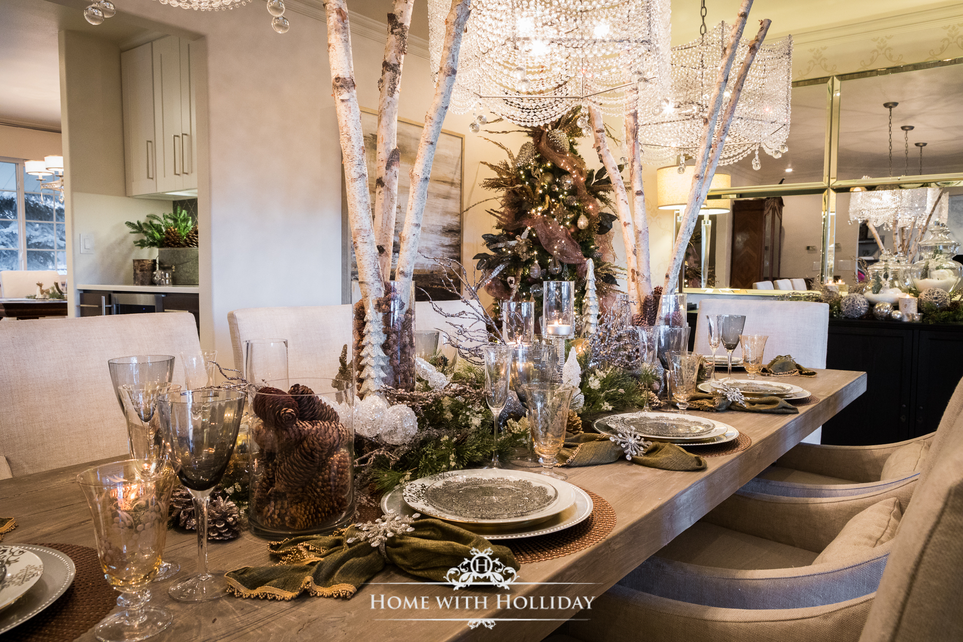 Christmas Home Tour - Dining Room - Home with Holliday