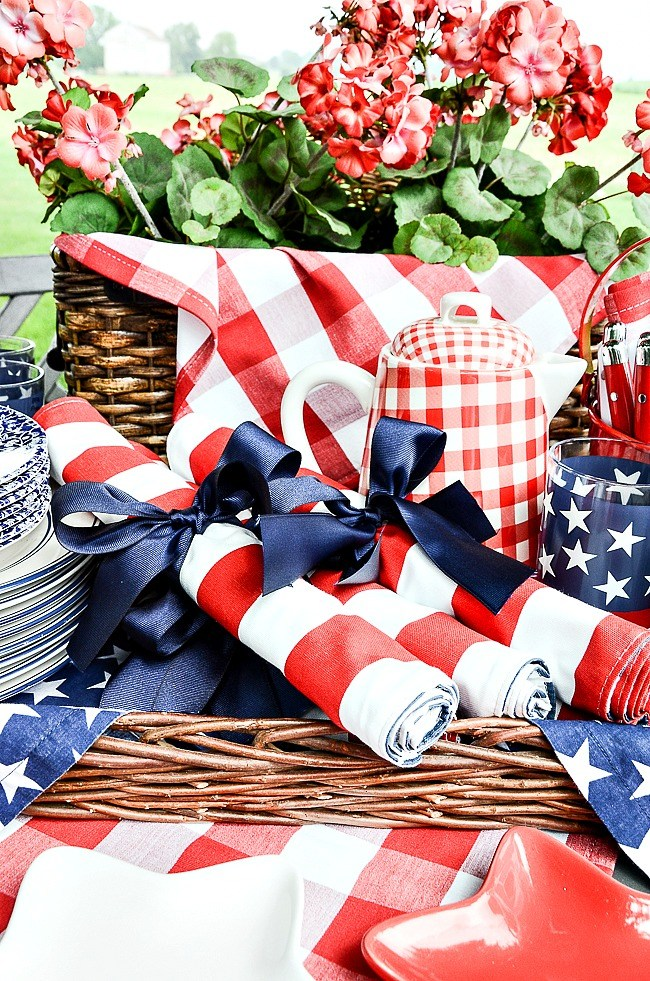 Beautiful Patriotic Decor Inspirations - Home with Holliday
