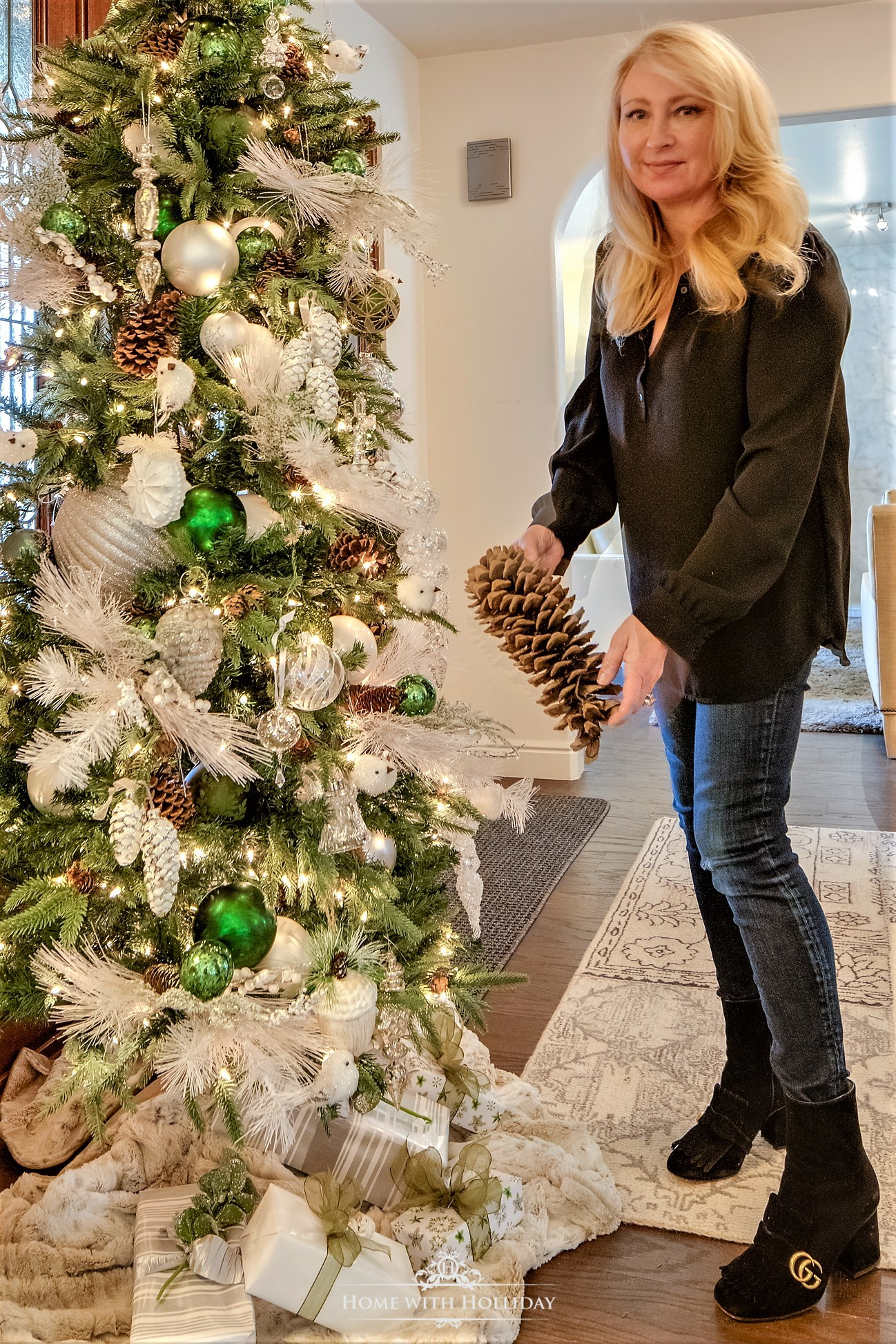 My Top Posts of 2018 - Christmas Home Tour - Home with Holliday