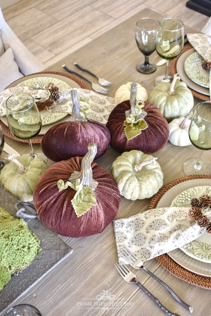 Simple Rustic Pumpkin Fall Tablescape Centerpiece - Home with Holliday