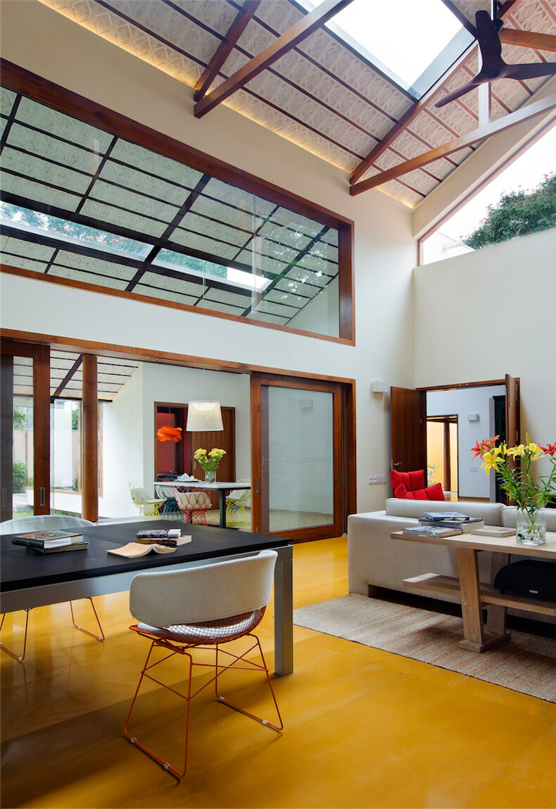 Library House Contemporary Architecture And Nostalgic Air