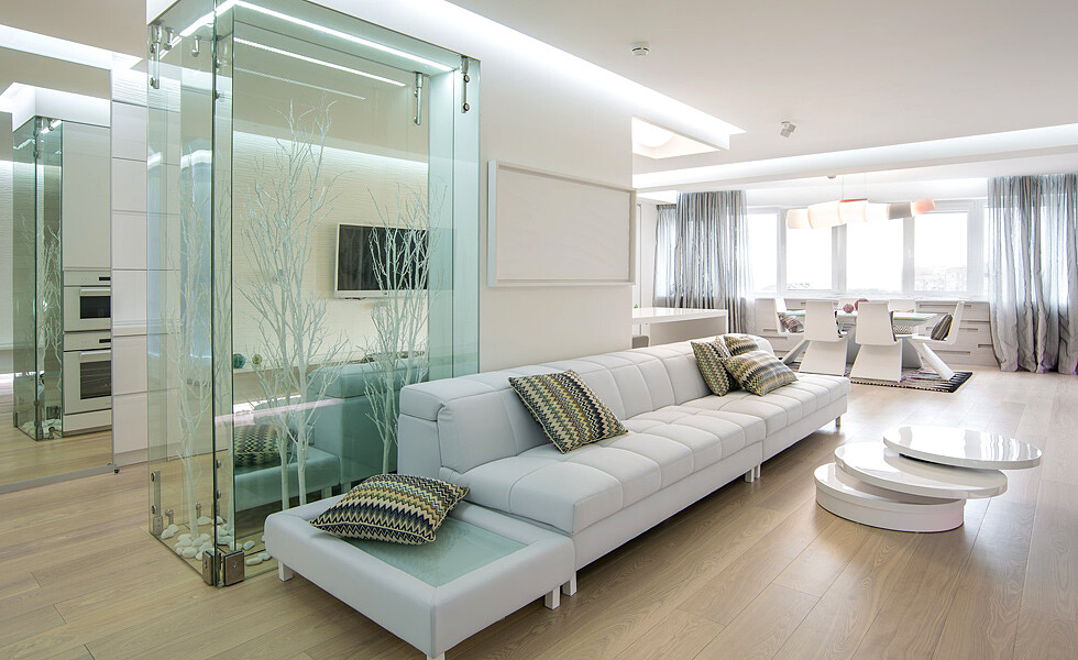 White light and mirrors can transform and expand space