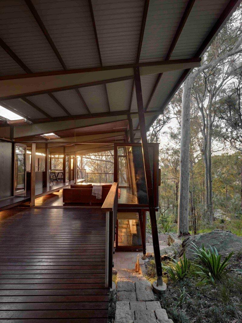 Island House Prefabricated Modular House On A Steep Site