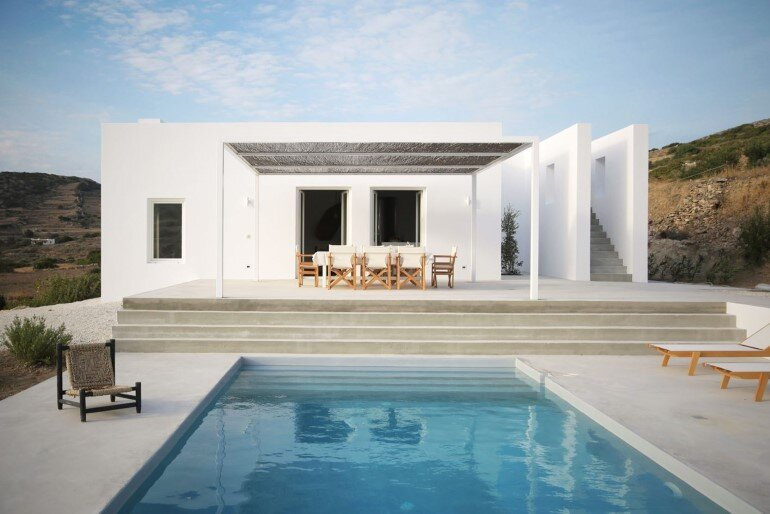 Modern and Minimalist House on the Island of Paros Greece