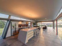 Batman Bridge House in Tasmania / Clever Design