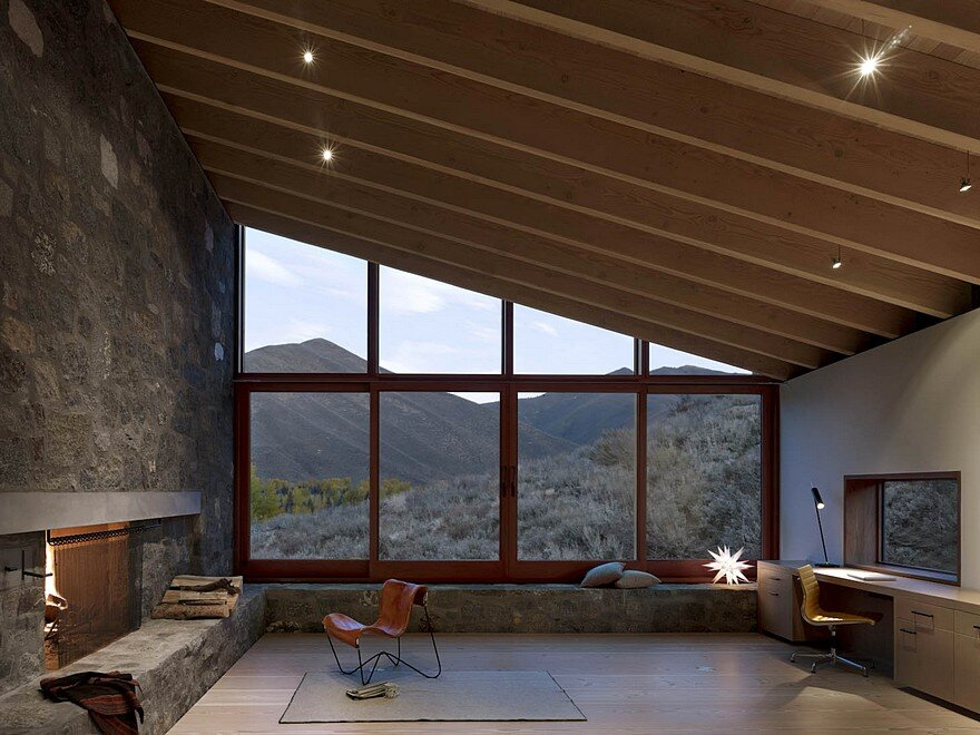Sun Valley House With Exposed Granite And Tough Geometry Form