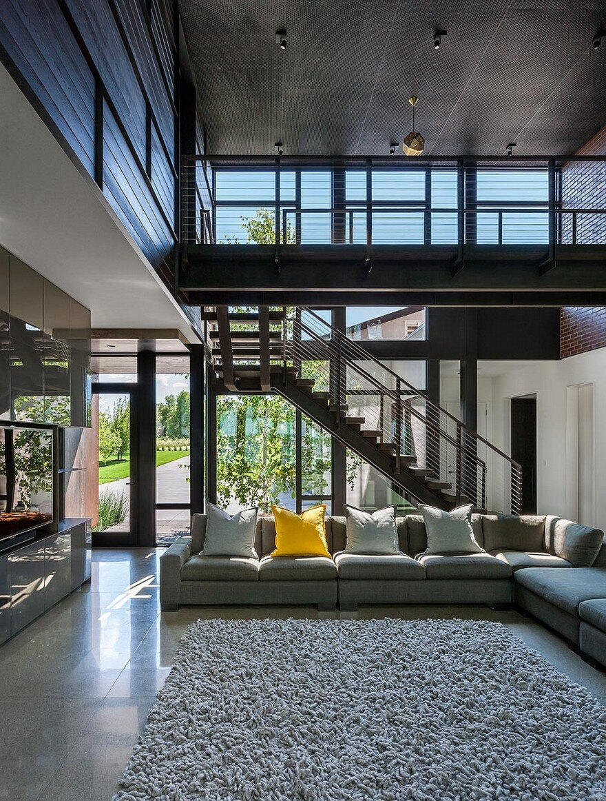 Industrial Modern House Designed to Promote the Outdoors