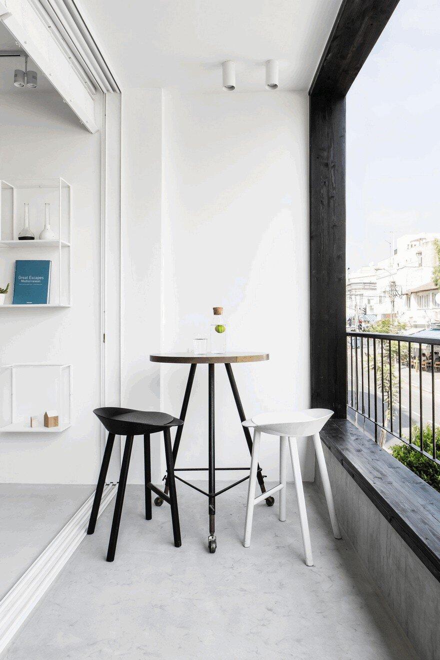 Minimalist Interior Showcased by Black  White Apartment in Tel Aviv