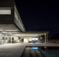 Modern Duplex House Features a Minimalist and Balanced ...