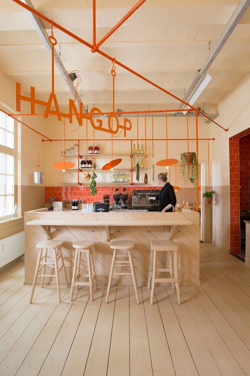 Hangop Bar In Den Bosch Overtreders W