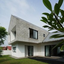 Modern Single Storey Semi Detached House