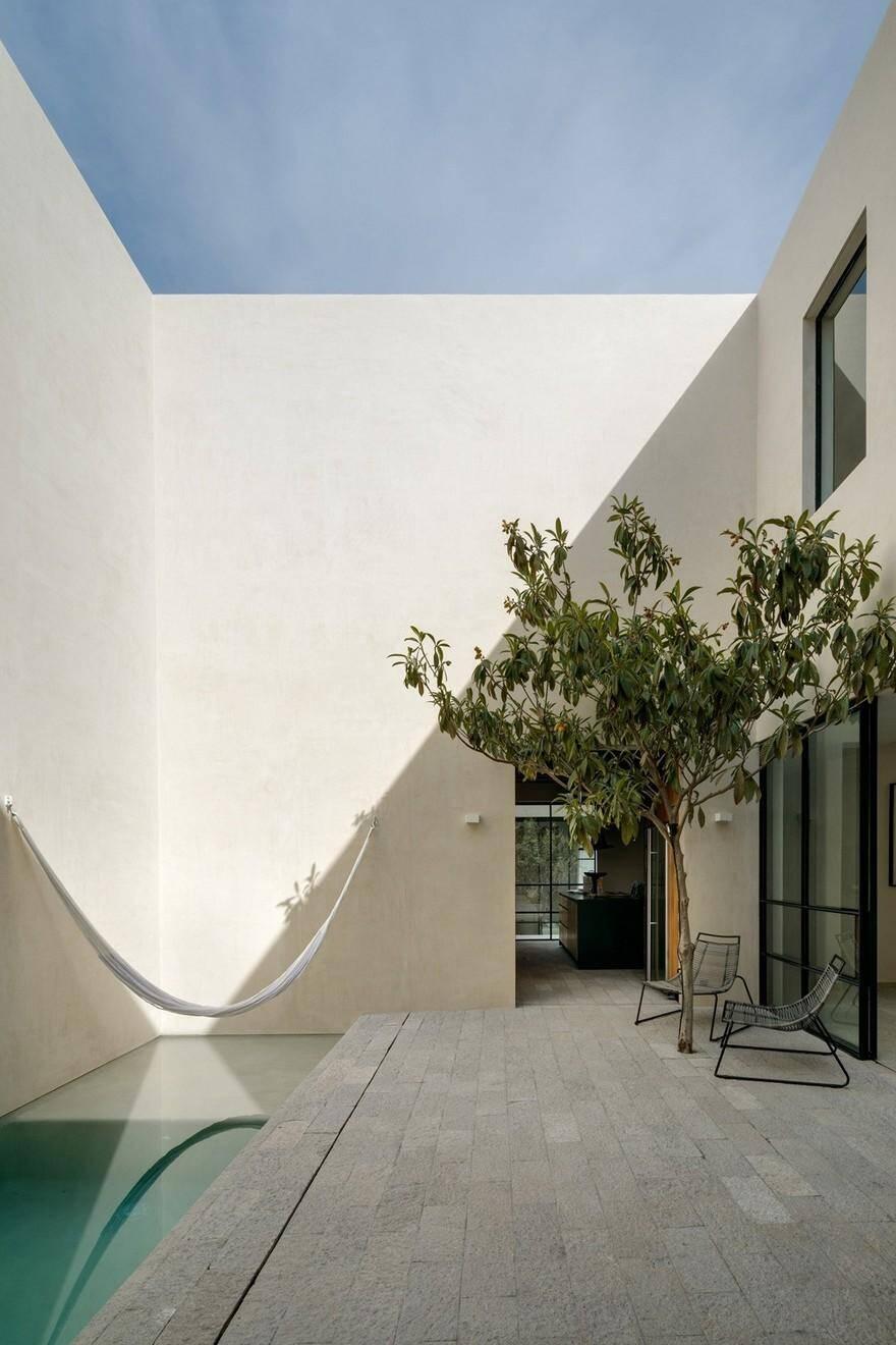 Casa La Quinta by Prez Palacios Arquitectos Asociados