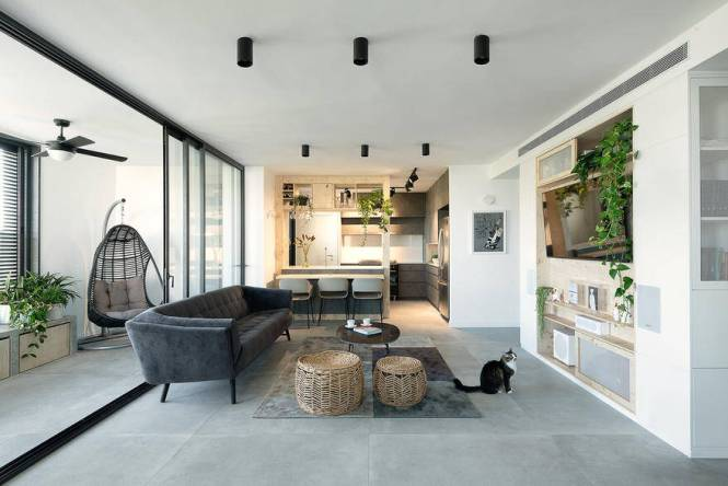 Modern Urban Apartment With Functional