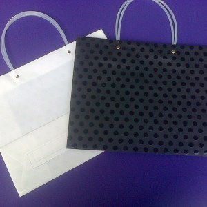DOTTED GIFT BAG