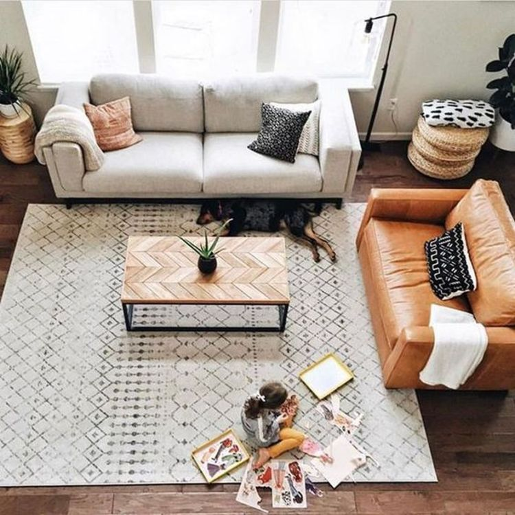 Cozy living room with rugs and low seating style 12 (source pinterest.com)